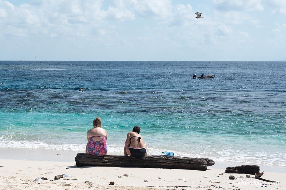 Turistas en la Isla Perro Chico, San Blas (Panamá