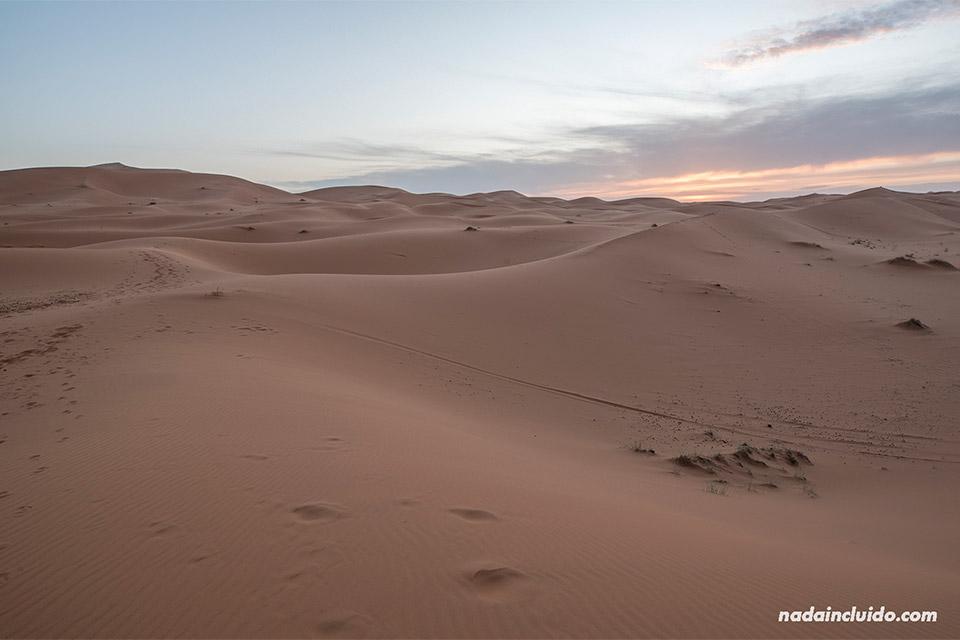 Atardecer en el desierto del Sáhara (Marruecos)