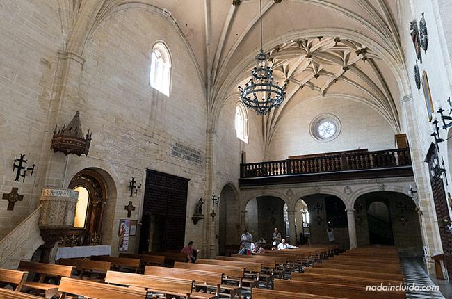 Interior de la iglesia de la Encarnación de Alhama de Granada