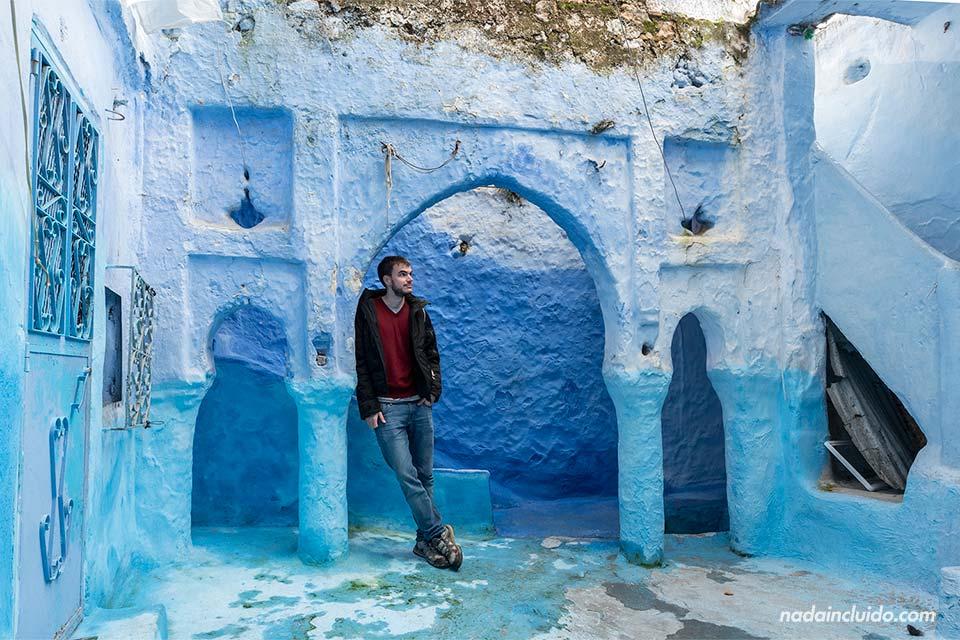 En el patio de una casa en la medina de Chefchaouen (Marruecos)
