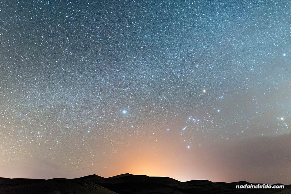 Noche en el desierto del Sáhara (Marruecos)