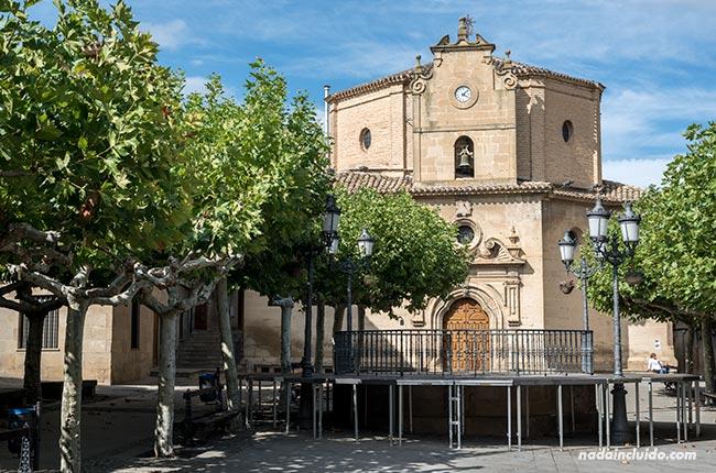 Ermita Nuestra Señora de la Virgen en la Plaza Mayor de Elciego (País Vasco, España)