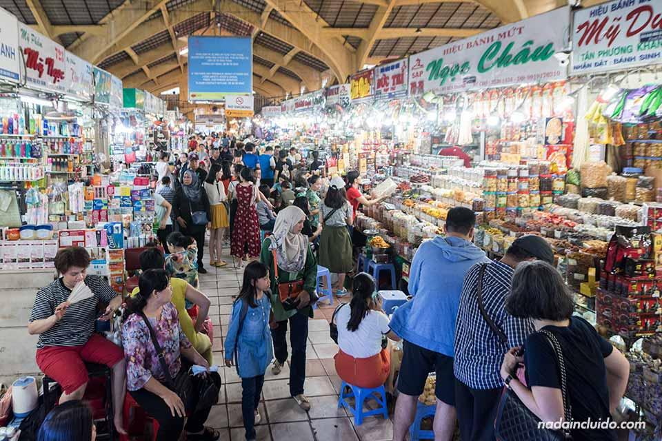 Interior del Mercado Ben Thanh, Ho Chi Minh (Vietnam)
