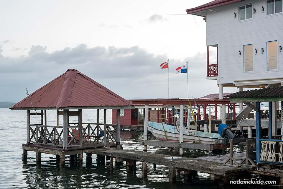 Muelles en Bocas Town, la ciudad de isla Colón (Bocas del Toro, Panamá)