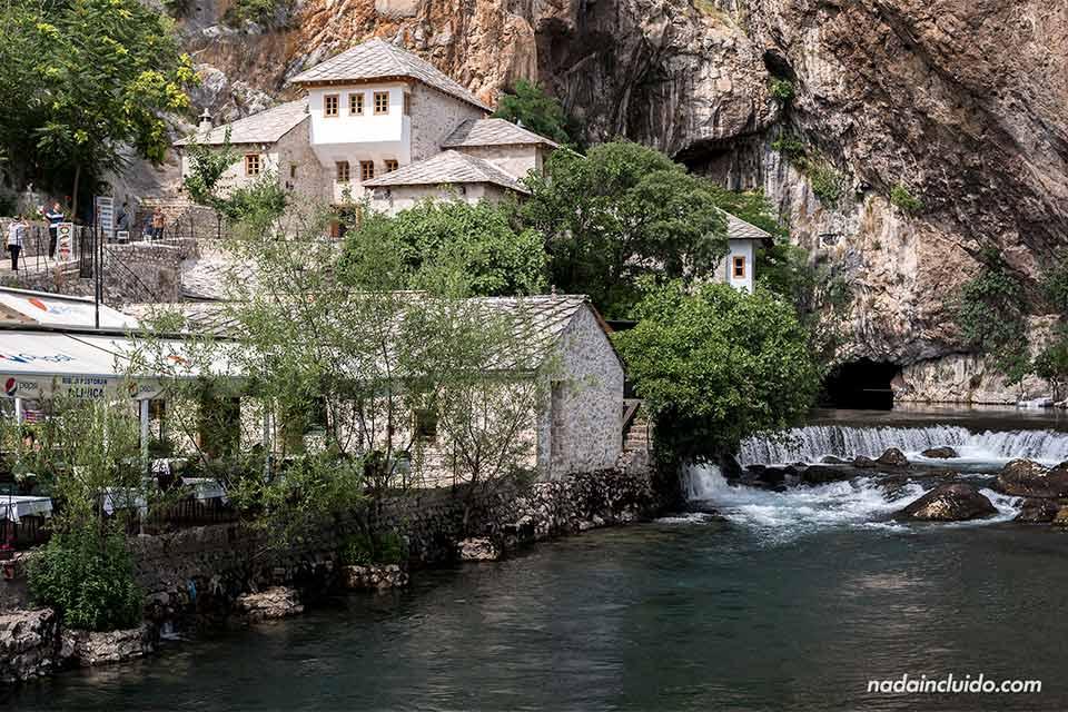 El río Buna a su paso por Blagaj (Bosnia)