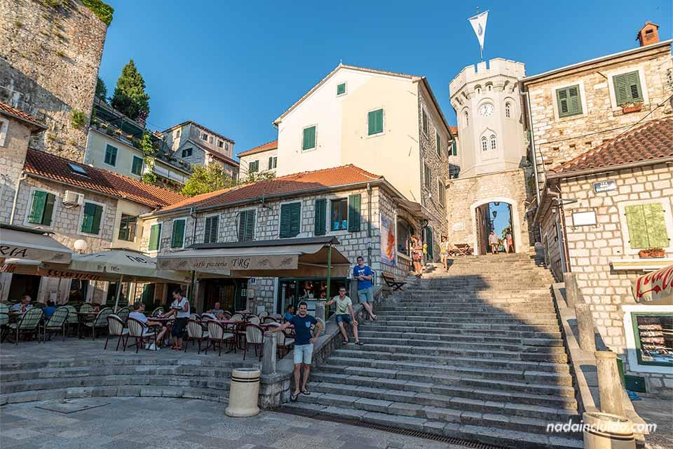 Torre del Reloj de Herceg Novi, la puerta del Stari Grad (Montenegro)