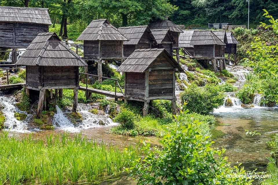 Parque Plivsko Jezero, Molinos de agua a las afueras de la ciudad de Jajce (Bosnia)
