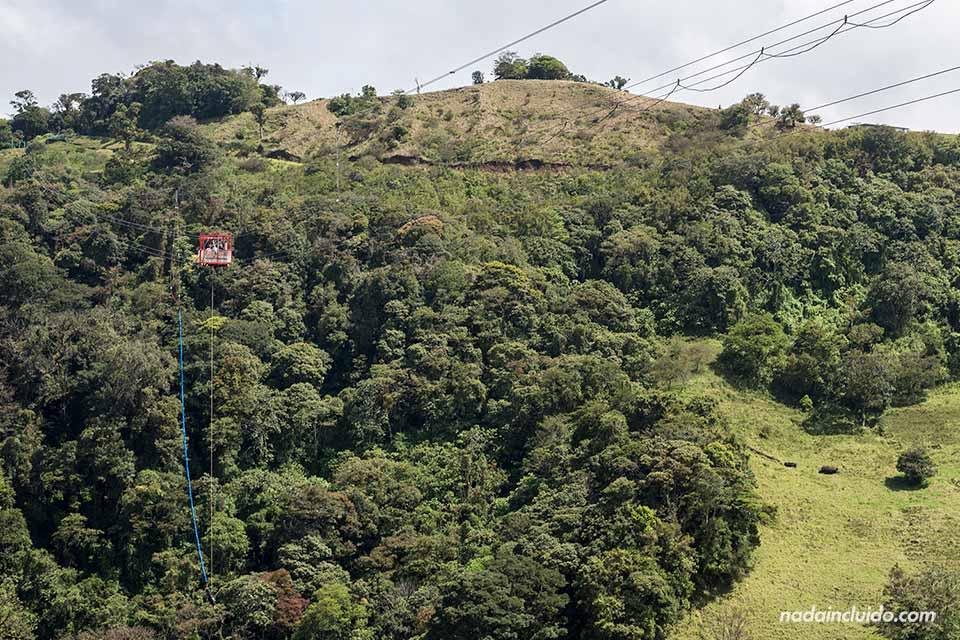 Haciendo puenting en Monteverde (Costa Rica)