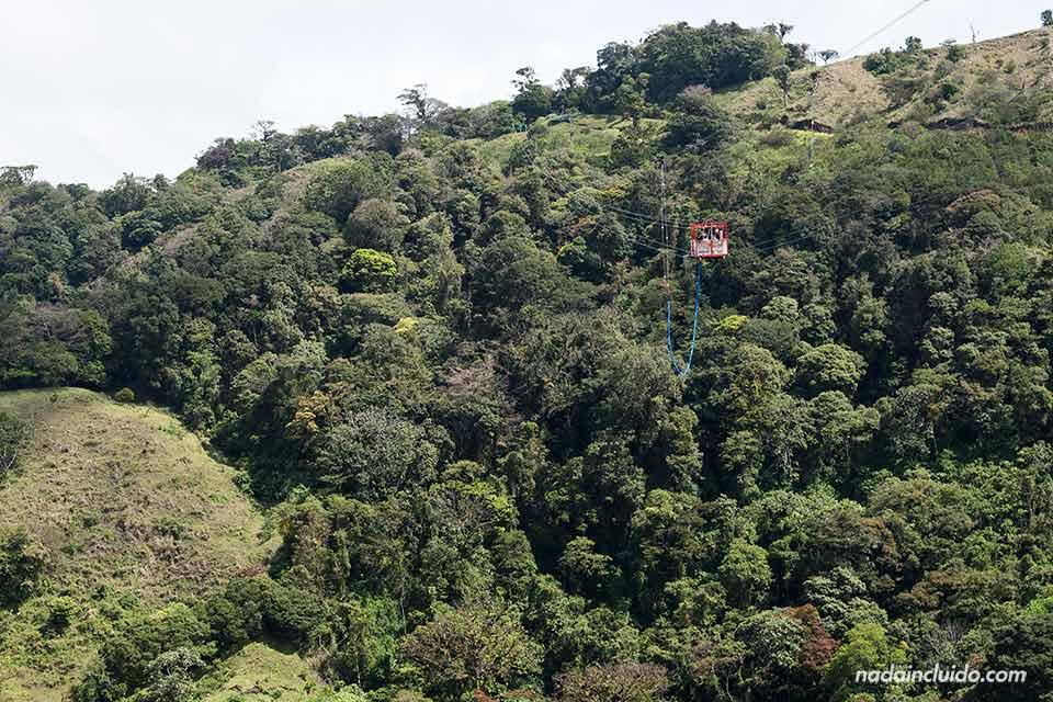 Puenting (bungee jumping) en Monteverde (Costa Rica)