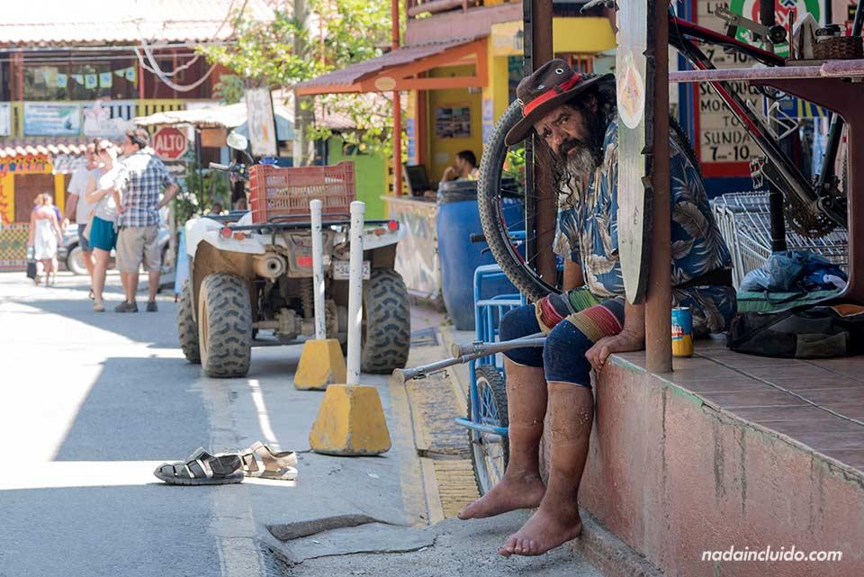 Hippie en el pueblo de Montezuma (Costa Rica)