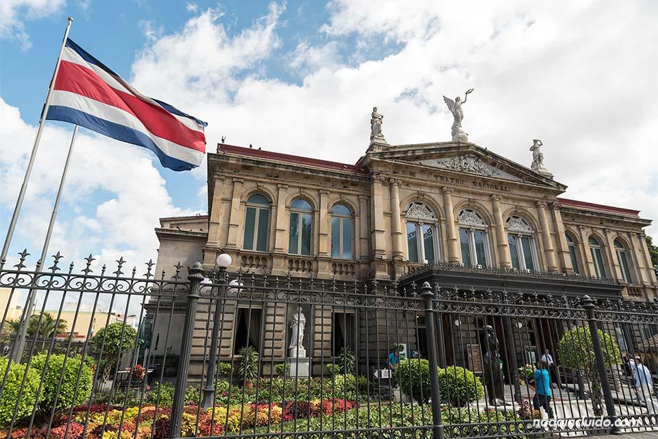 Fachada del Teatro Nacional de Costa Rica, en San José
