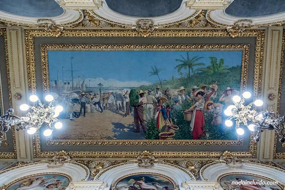 Cuadro en el techo del vestíbulo del Teatro Nacional de Costa Rica (San José)