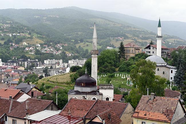 Vista de Travnik desde lo alto de la fortaleza (Bosnia)