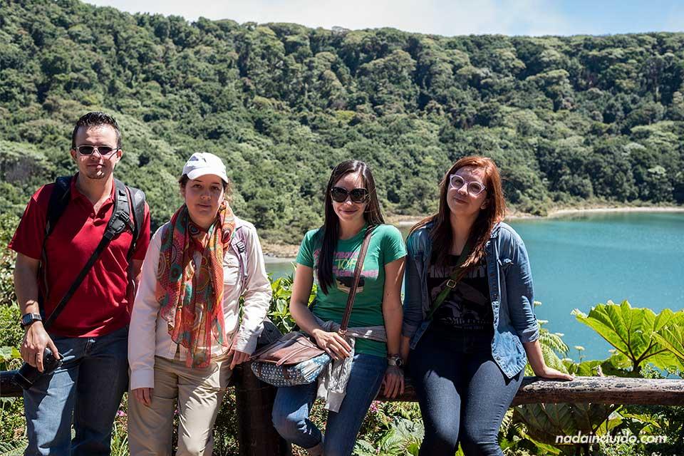 Laguna en el Parque Nacional del Volcán Poas (Costa Rica)