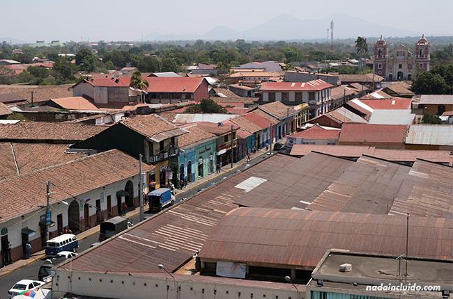 Vista desde el tejado de la catedral de León (Nicaragua)