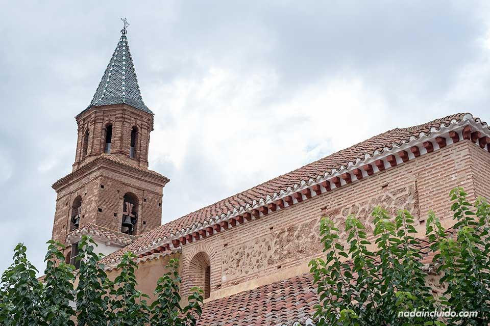 Tejado de la iglesia de Fondón (Almería)