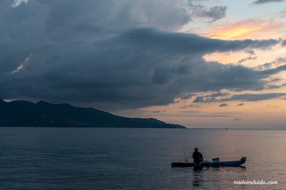 Atardece sobre Lombok: vista desde Gili Air (Indonesia)