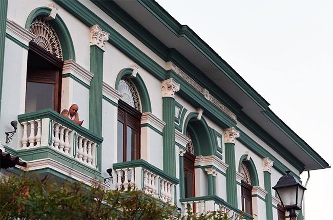 Balcones de un hotel en la calle de la Libertad de Granada (Nicaragua)
