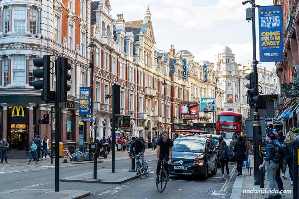 Calles del Soho en Londres (Inglatera)