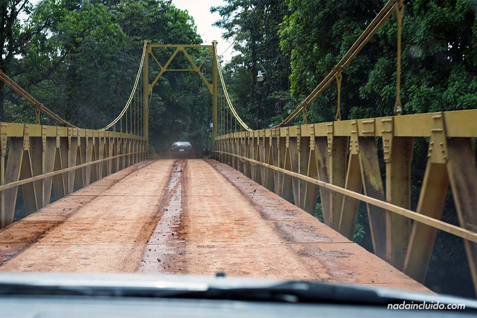 Puente hacia Los Campesinos Ecolodge, Manuel Antonio (Costa Rica)