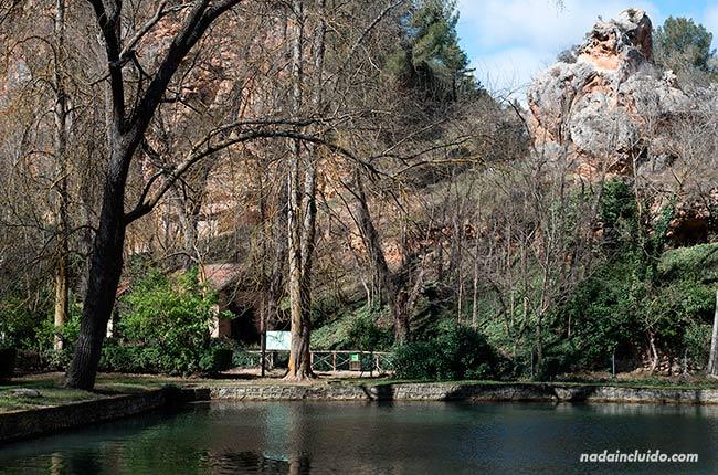 Pesqueras en el Parque Natural del Monasterio de Piedra (Aragón, España)