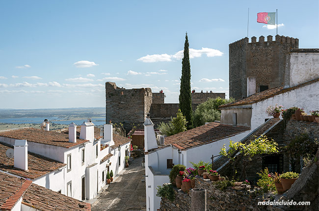 Torre del castillo de Monsaraz (Alentejo, Portugal)