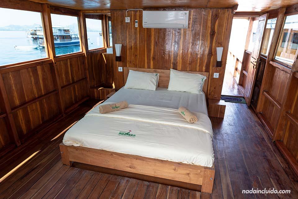 Camarote del barco de Rutas Indonesia en el parque nacional de Komodo