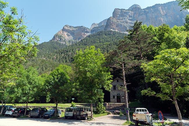 Entrada al Parque Nacional de Ordesa y Monte Perdido junto a Torla (Aragón)