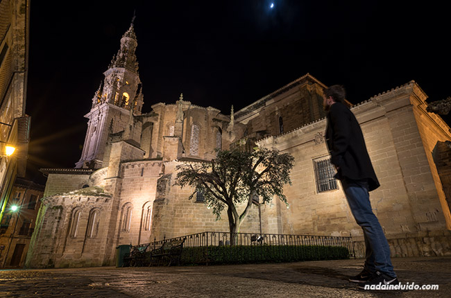Iluminación nocturna de la catedral de Santo Domingo de la Calzada (Rioja, España)