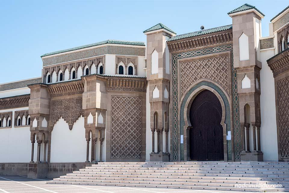 Puerta de la mezquita Mohamed V de Agadir (Marruecos)