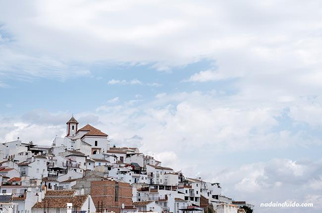 El pueblo de Alozaina (Málaga)