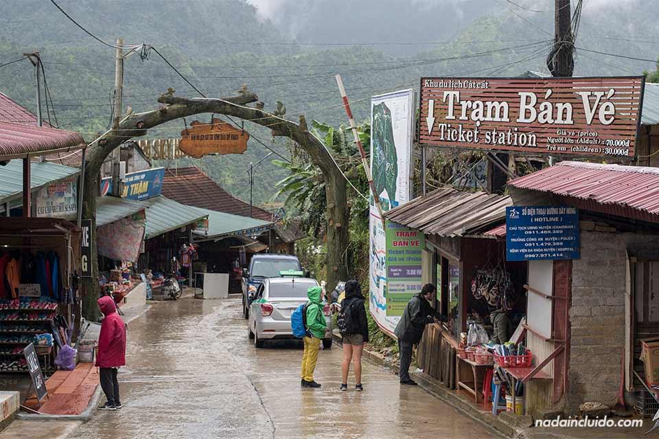 Entrada a la aldea de Cat Cat en la provincia de Lao Cai (Vietnam)