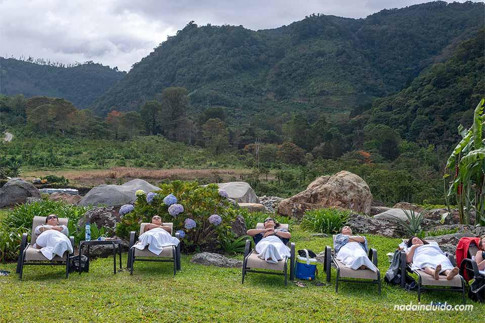 ¿Necesito vacunas para ir a Costa Rica? - Turistas en Hacienda Orosí