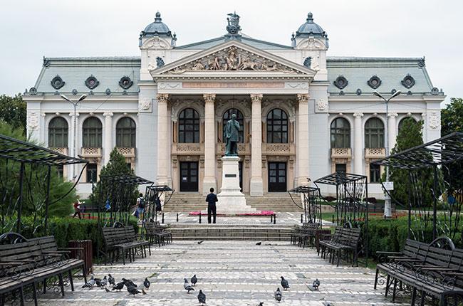Fachada del Teatro Naiconal de Iasi (Rumanía)