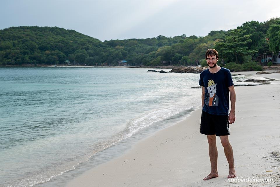 En la playa Sangthian de Koh Samet (Tailandia)