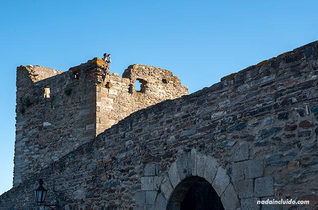En la torre del castillo de Monsaraz (Alentejo, Portugal)