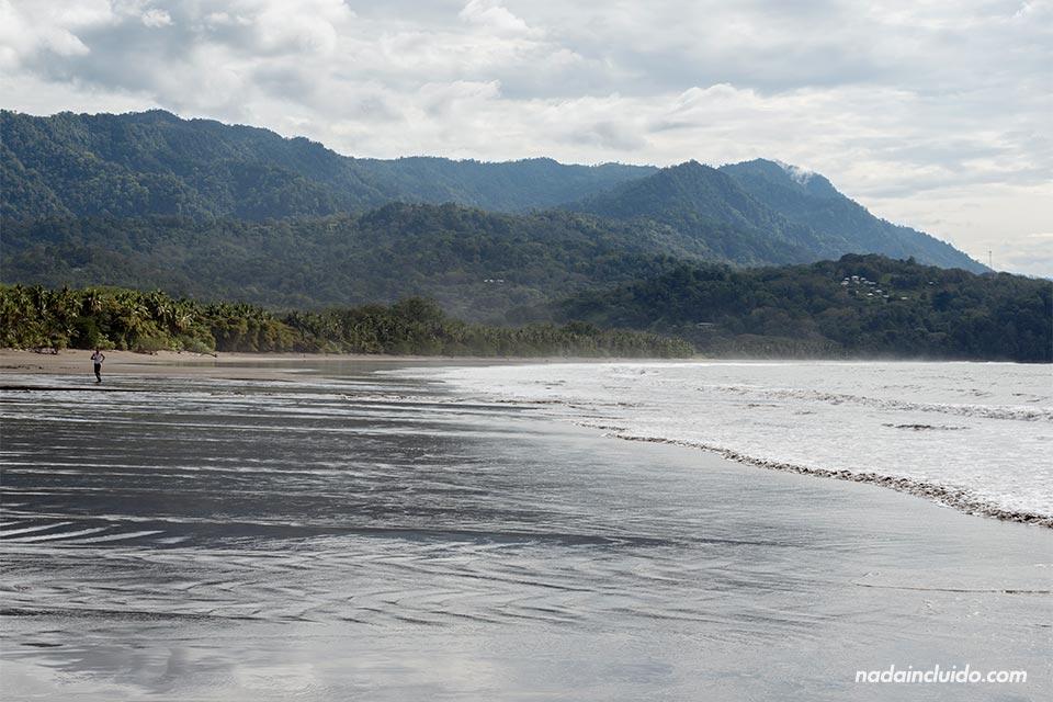 Playa Uvita es una de las playas del Pacífico Sur de Costa Rica