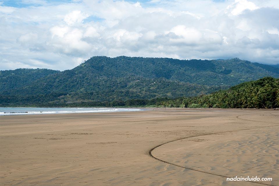Fotografía de playa Uvita, en Costa Rica