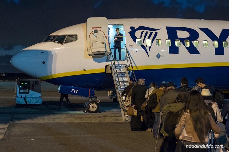 Avión de Ryanair en la ruta Madrid - Rabat