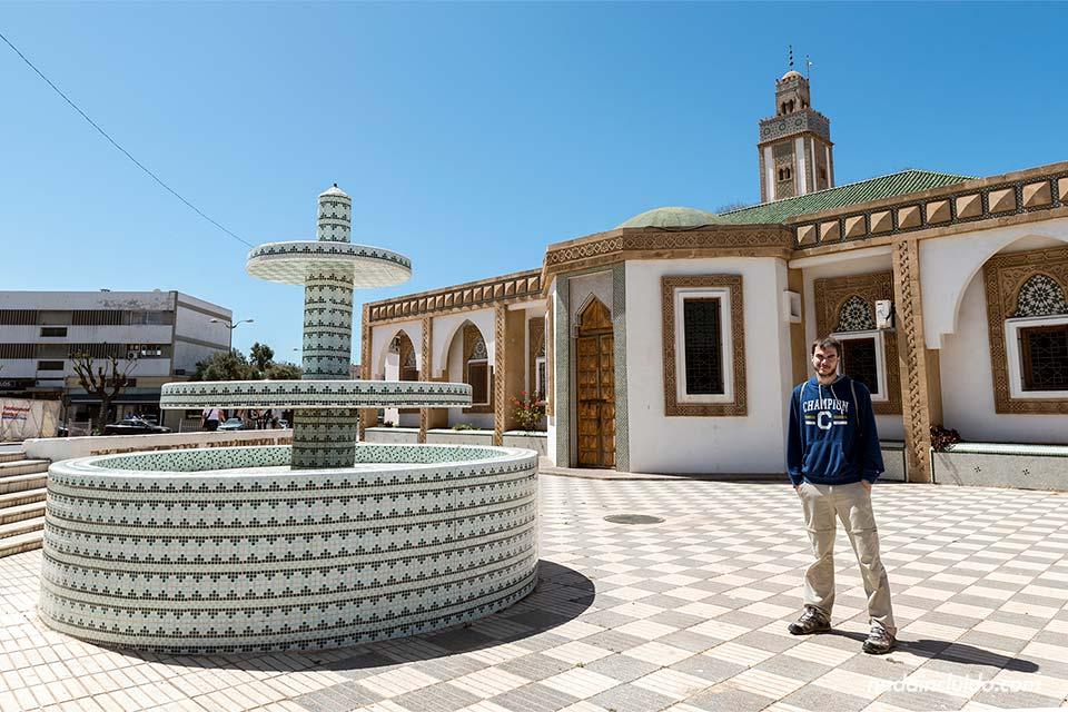 En la mezquita Loubnane de Agadir (Marruecos)