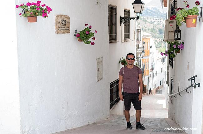 Bo en un callejón en Castril (Granada, Andalucía)