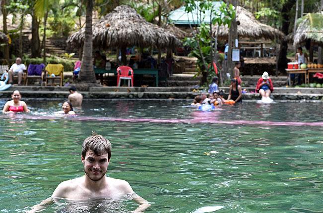 En las Termas Ojo de Agua en la Isla de Ometepe (Nicaragua)