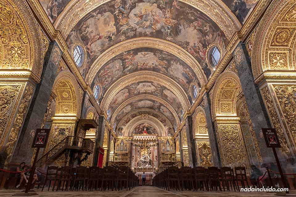 Sala principal de la Concatedral de Sant John (San Juan) en La Valeta (Malta)