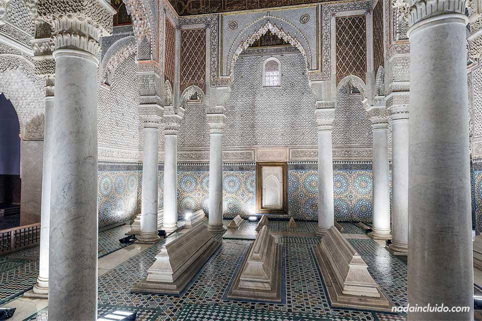 Sala principal de las Tumbas Saadies de Marrakech (Marruecos)