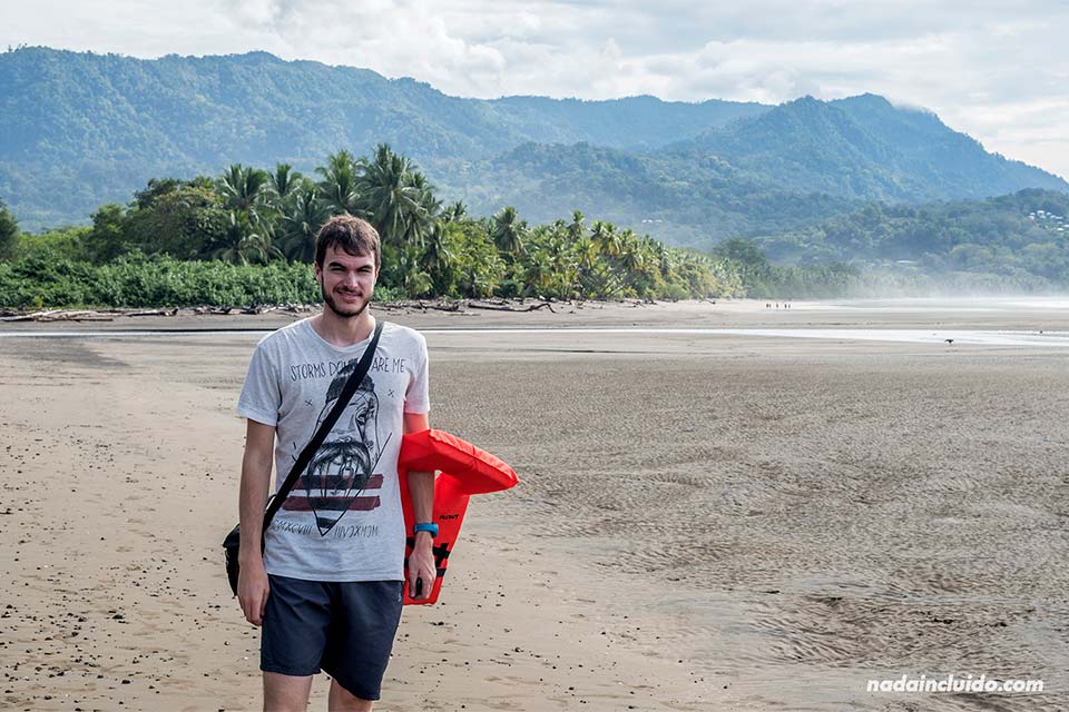 Paseando por playa Uvita (Costa Rica)