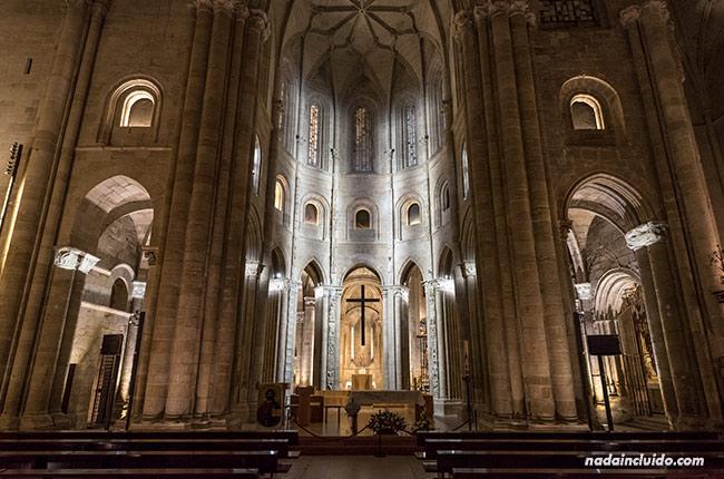 Altar mayor de la catedral de Santo Domingo de la Calzada (Rioja, España)