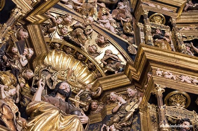 Detalle del retablo de la catedral de Santo Domingo de la Calzada (Rioja, España)