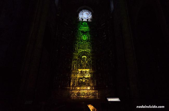 Proyección audiovisual en el retablo de Santo Domingo de la Calzada (Rioja, España)