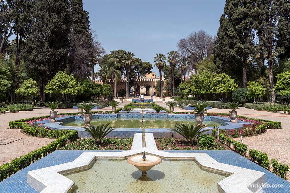 Fuente en el Jardín Jnan Sbil de Fez (Marruecos)