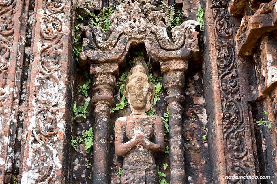 Detalle de Shiva en las paredes de uno de los templos de My Son (Vietnam)